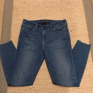 Abercrombie & Fitch Signature Collection Jeans 26